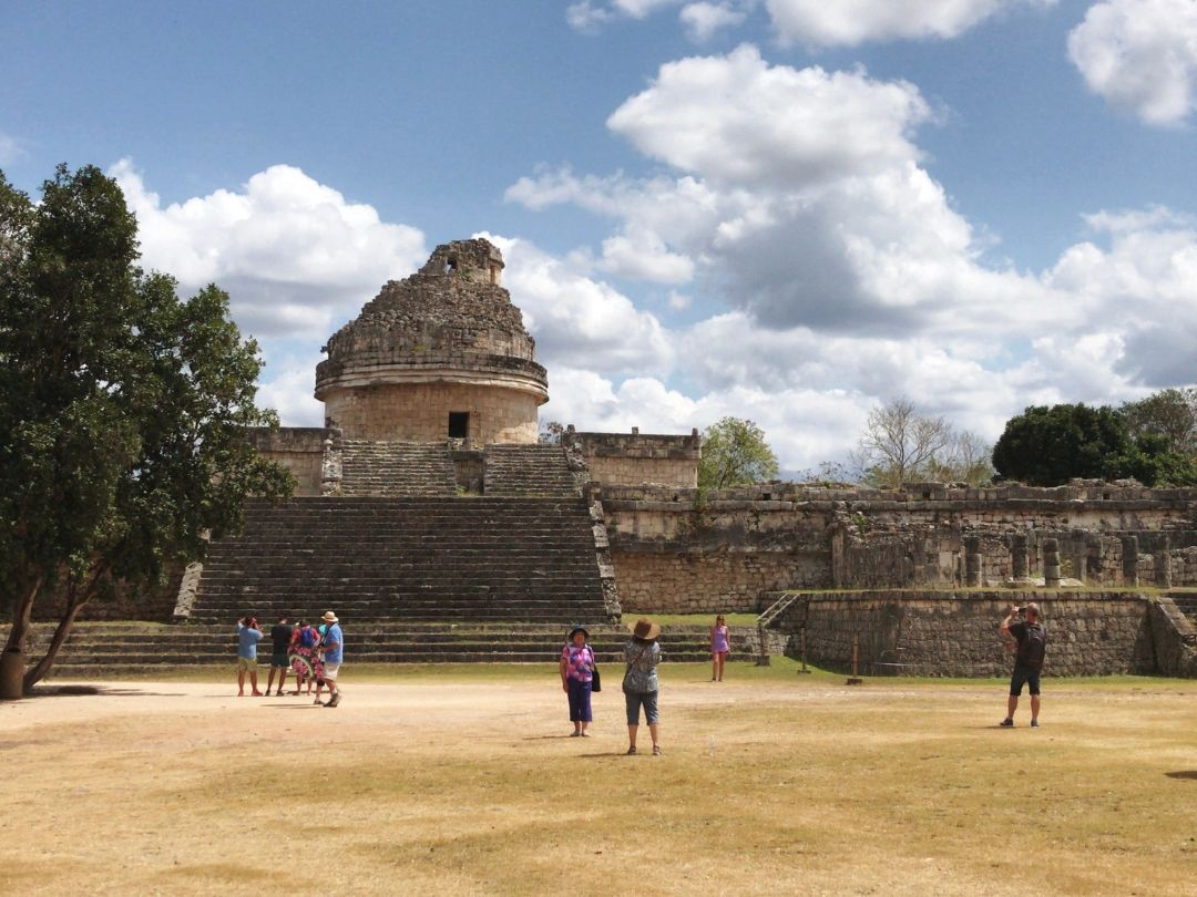 The el caracol structure at Chichen Itza is stunning