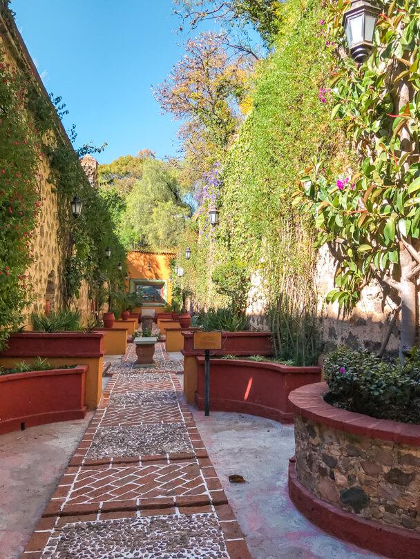 Ex Hacienda San Gabriel Barrera garden