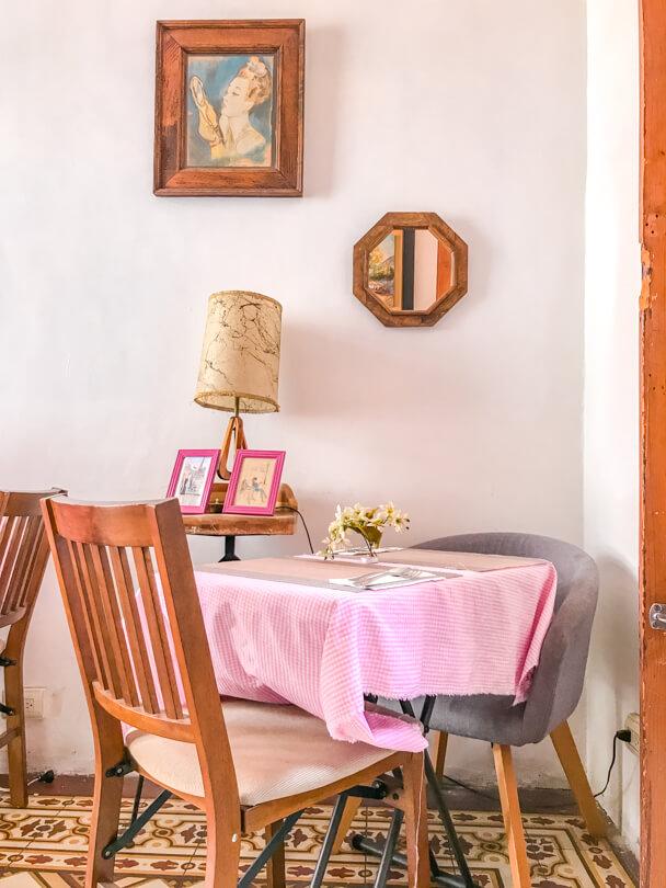 Beautifully styled table in La Vie En Rose restaurant, Guanajuato