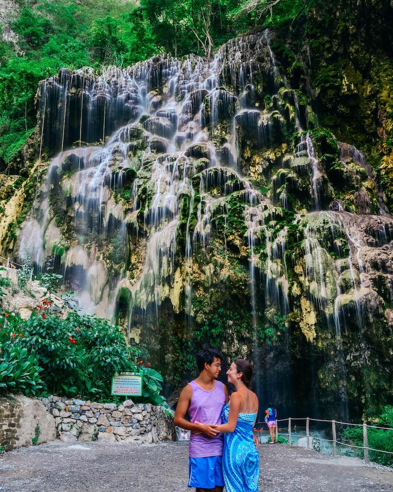 Grutas de Tolantongo waterfall