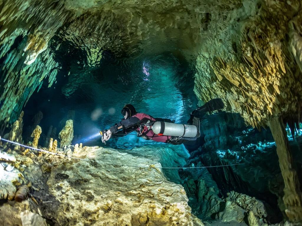 cenote diving riviera maya mexico